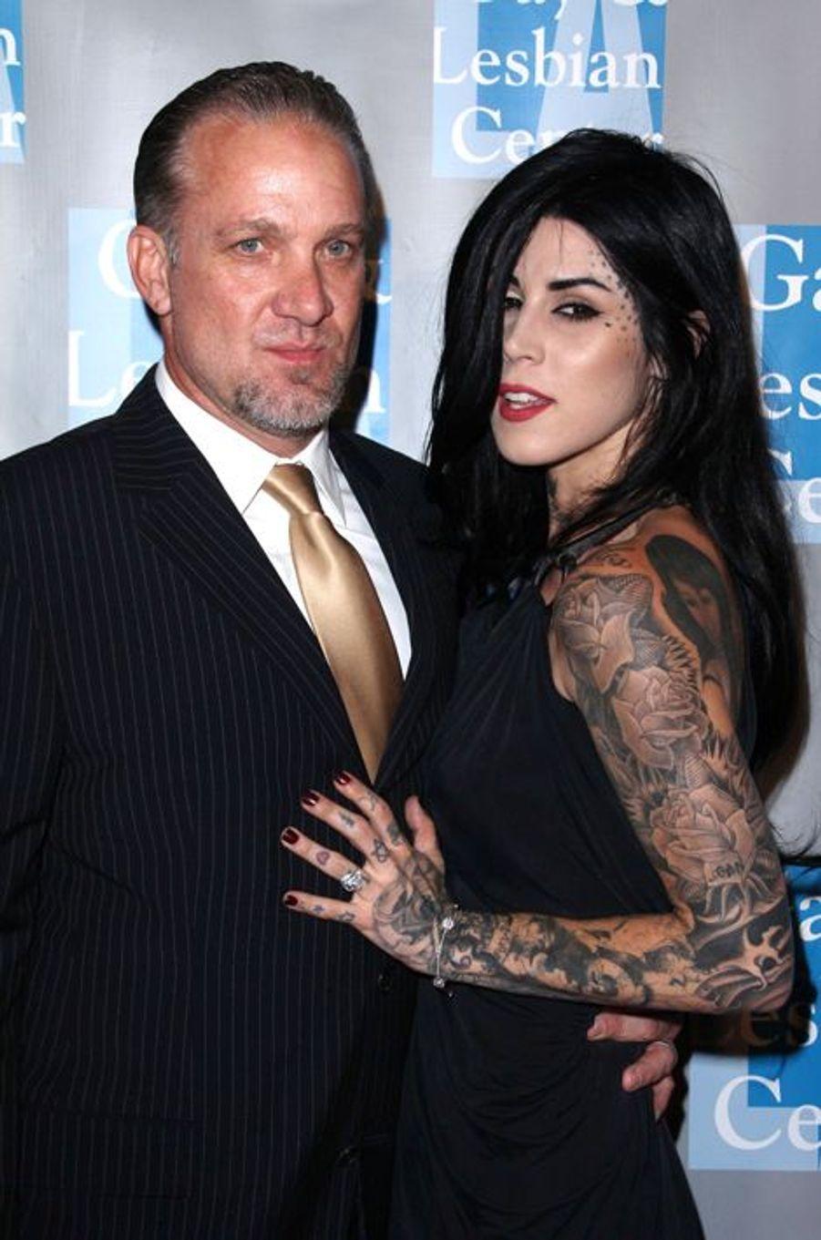 Tristement célèbre pour avoir trompé son ex-épouse, une certaine Sandra Bullock, avec une strip-teaseuse en mars 2010, Jesse G. James avait retrouvé l'amour quelques semaines plus tard dans les bras de la tatoueuse Kat Von D. Fiancé en janvier 2011, le binôme avait rompu en septembre de la même année.