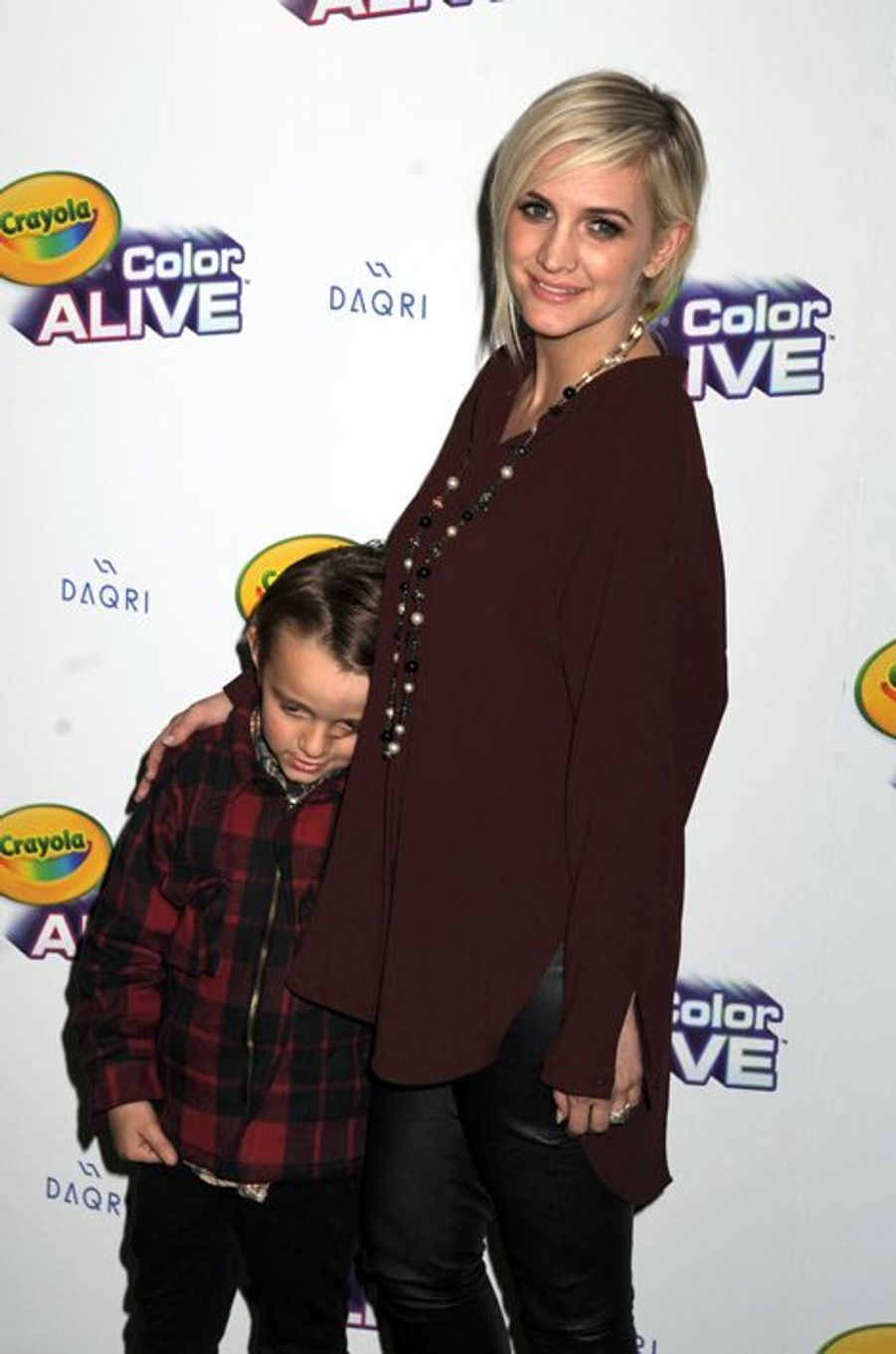 Enceinte de son deuxième enfant, la petite sœur de Jessica Simpson est déjà mère d'un petit garçon, Bronx Mowgli, né de ses amours avec Pete Wentz.