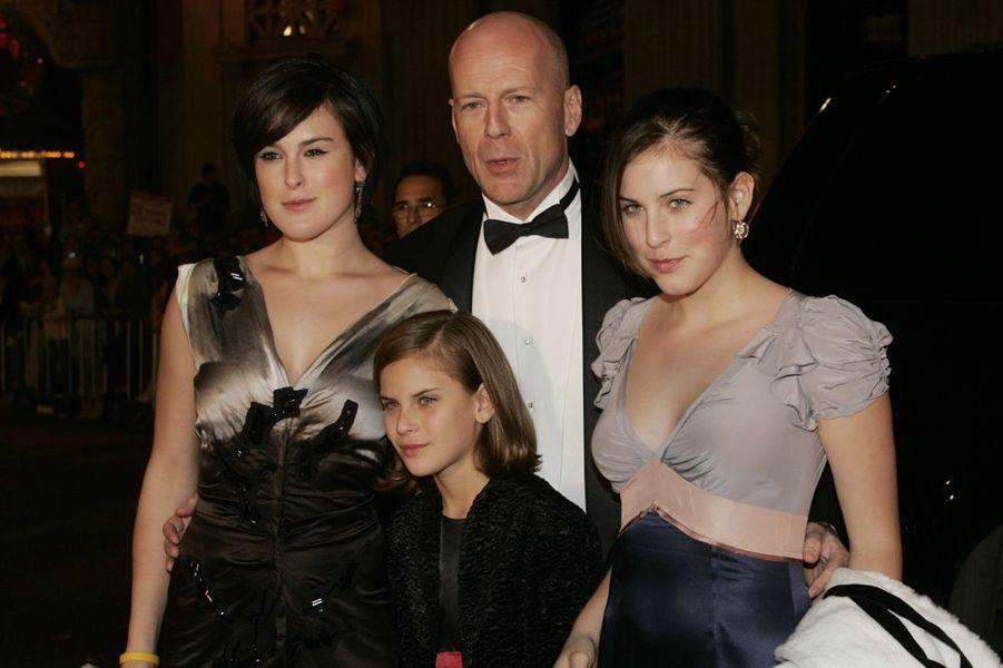 La star de «Die Hard» et son ex-épouse, Demi Moore, sont les grands précurseurs des prénoms originaux à Hollywood. Leurs trois filles peuvent l'attester : s'appeler Rumer Glenn (née en 1988), Scout LaRue (née en 1991) et Tallulah Belle (née en 1994), ça ne s'invente pas.