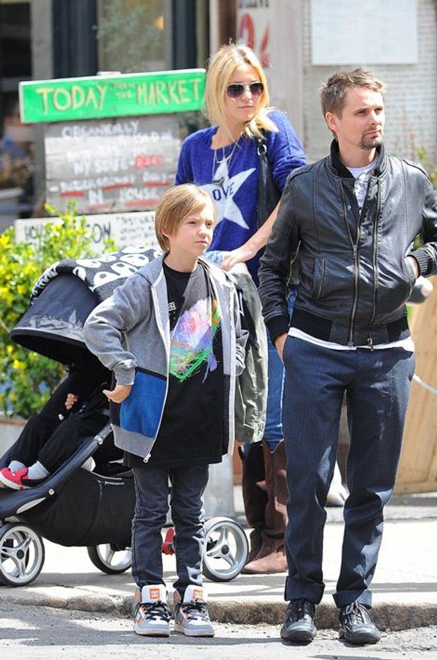 L'ex-compagne de Matthew Bellamy aime également les prénoms atypiques. Son fils aîné se prénomme Ryder, tandis que son petit dernier a hérité d'un nom rare : Bingham, surnommé «Bing».