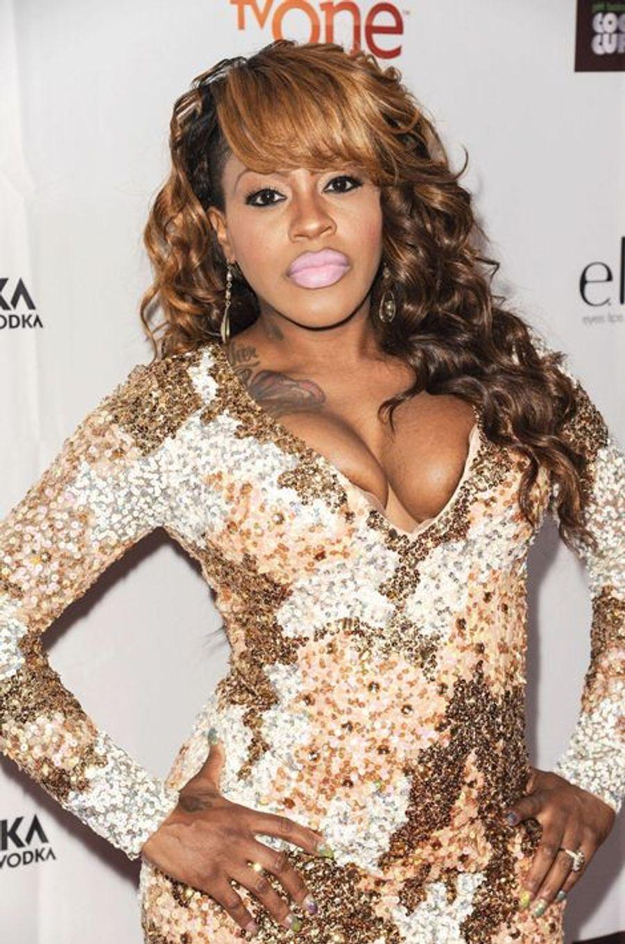 La rappeuse américaine et consœur de Missy Elliott est mère de deux filles : Heaven Love'on Stone (née en 2002) et God'Iss Love Stone (née en 2005).