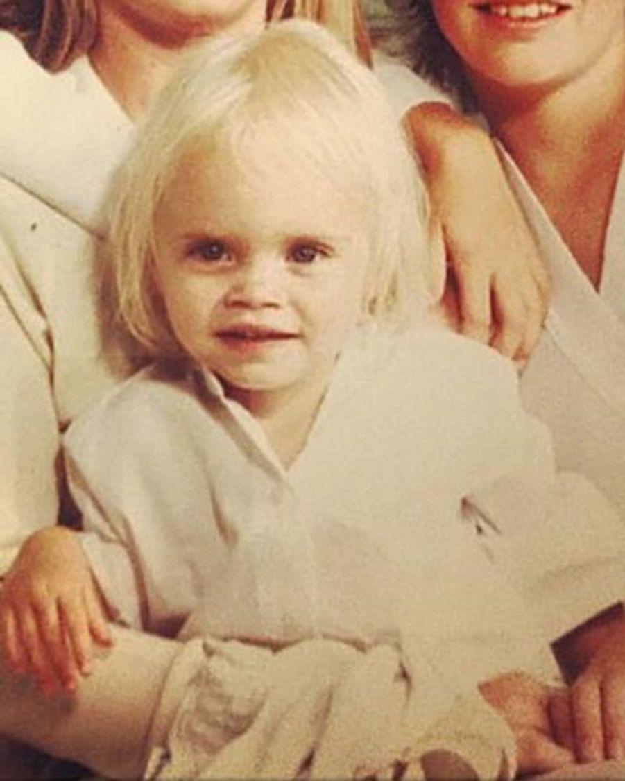 Cette petite tête blonde est devenue en un temps record l'une des icônes les plus en vogue de la mode