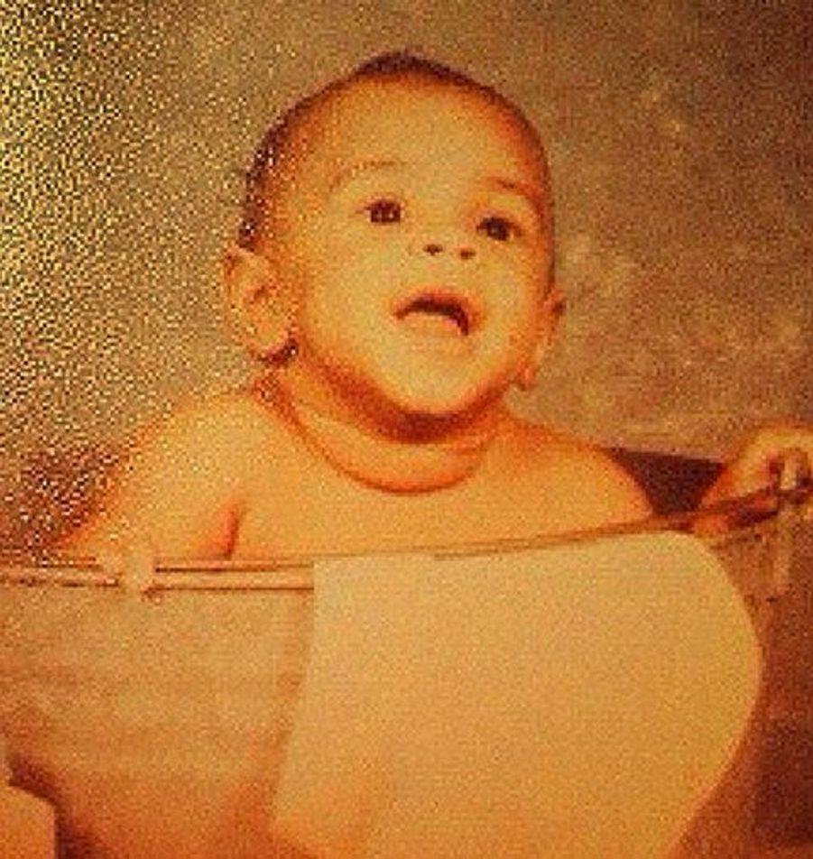 Qui aurait cru que ce bébé allait se transformer en un rappeur controversé ?