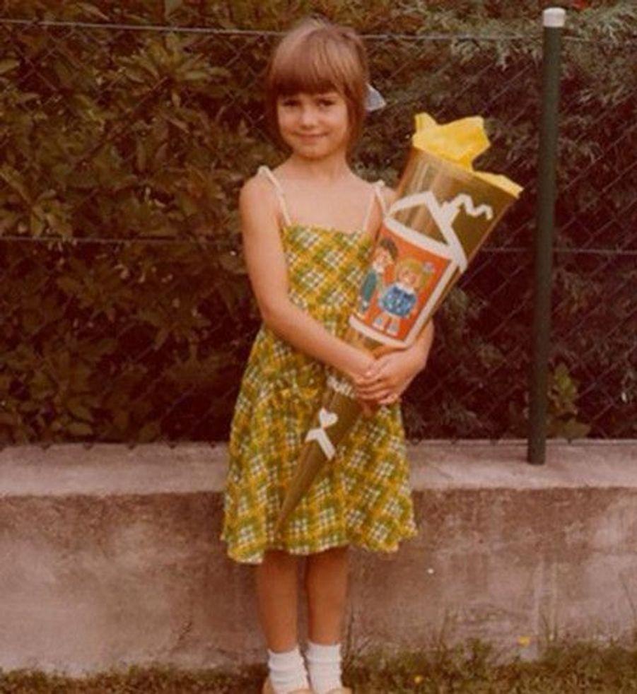 Qui est cette célébrité, déjà chic et modèle à l'âge de 5 ans ?