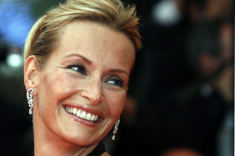 Estelle Lefébure (née le 11 mai)