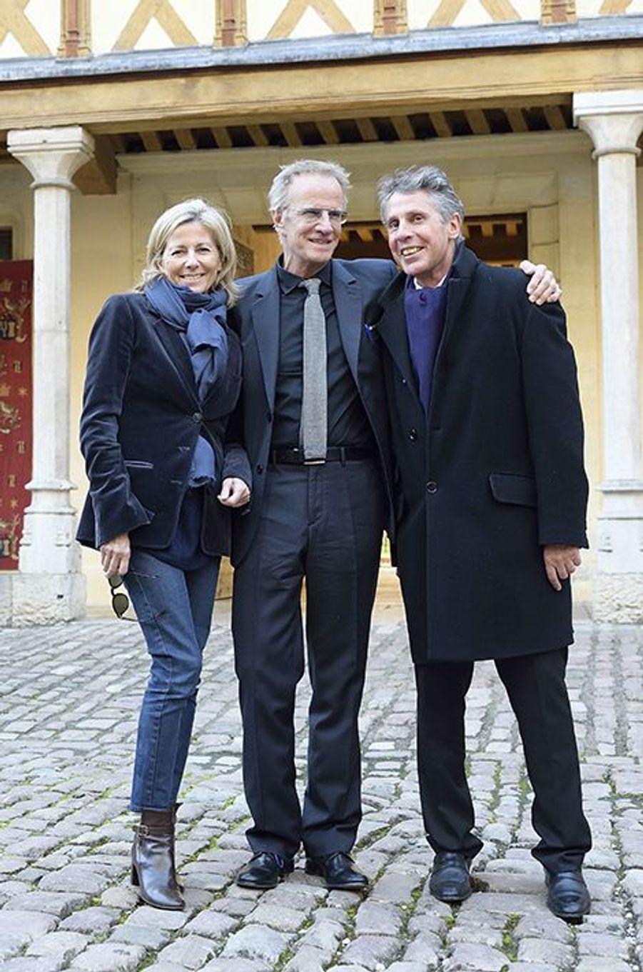 Claire Chazal et Christophe Lambert entourés du maire de Beaune, Alain Suguenot, le 15 novembre 2015