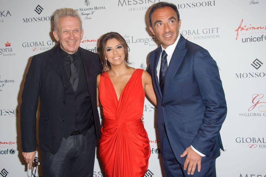Jean Paul Gaultier, Eva Longoria et Nikos Aliagas à Paris le 25 mai 2015