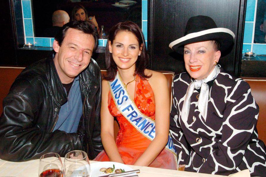 Avec Jean-Luc Reichmann et Miss France 2004 Laetitia Bleger