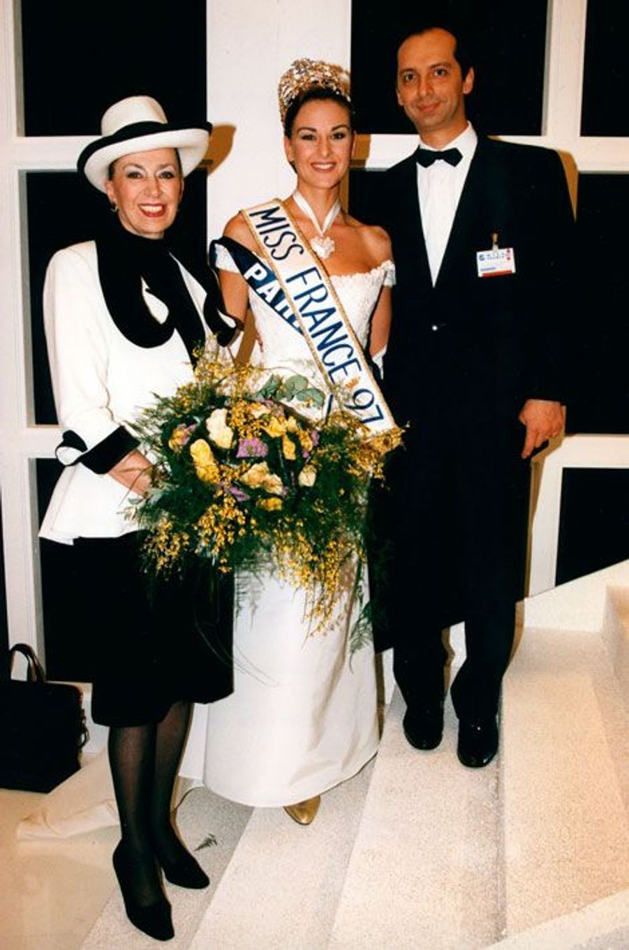 Avec son fils Xavier de Fontenay et Miss France 1997 Patricia Spehar