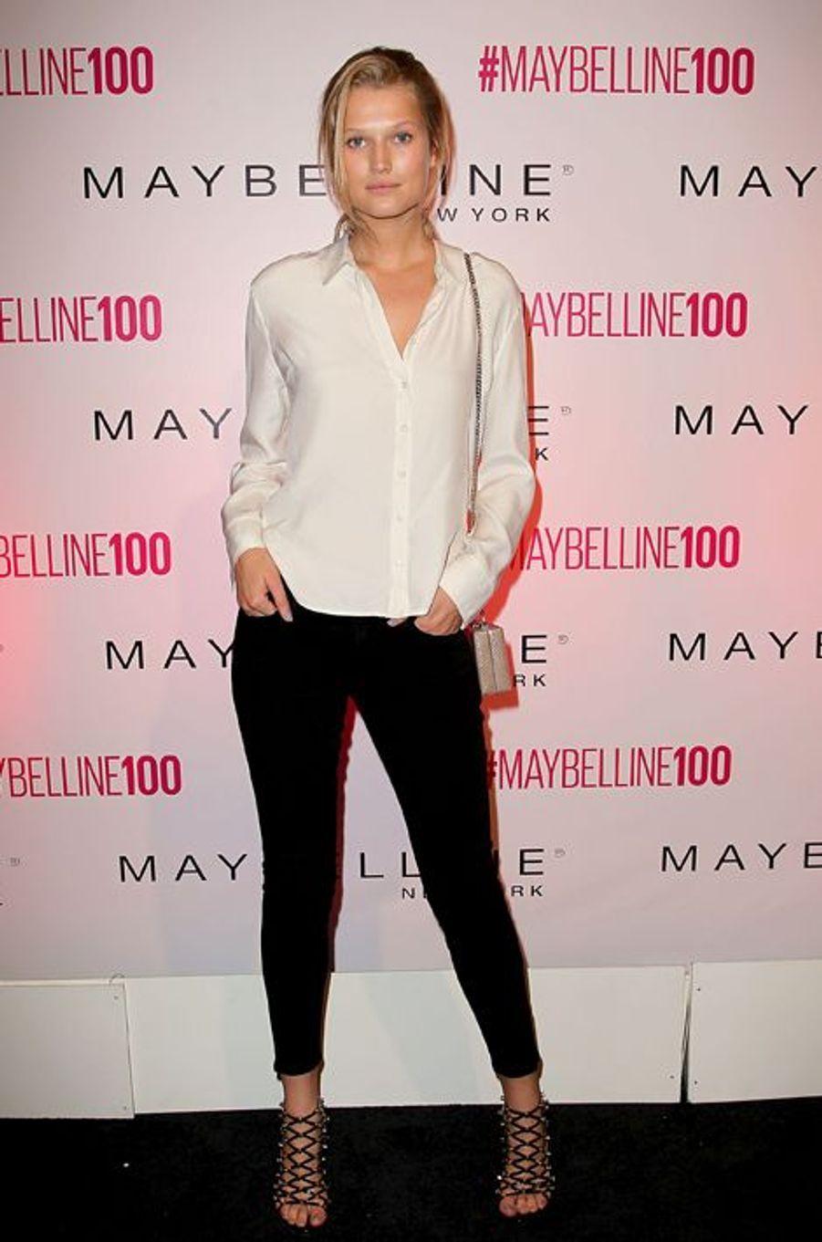 Toni Garrn à New York le 14 mai 2015