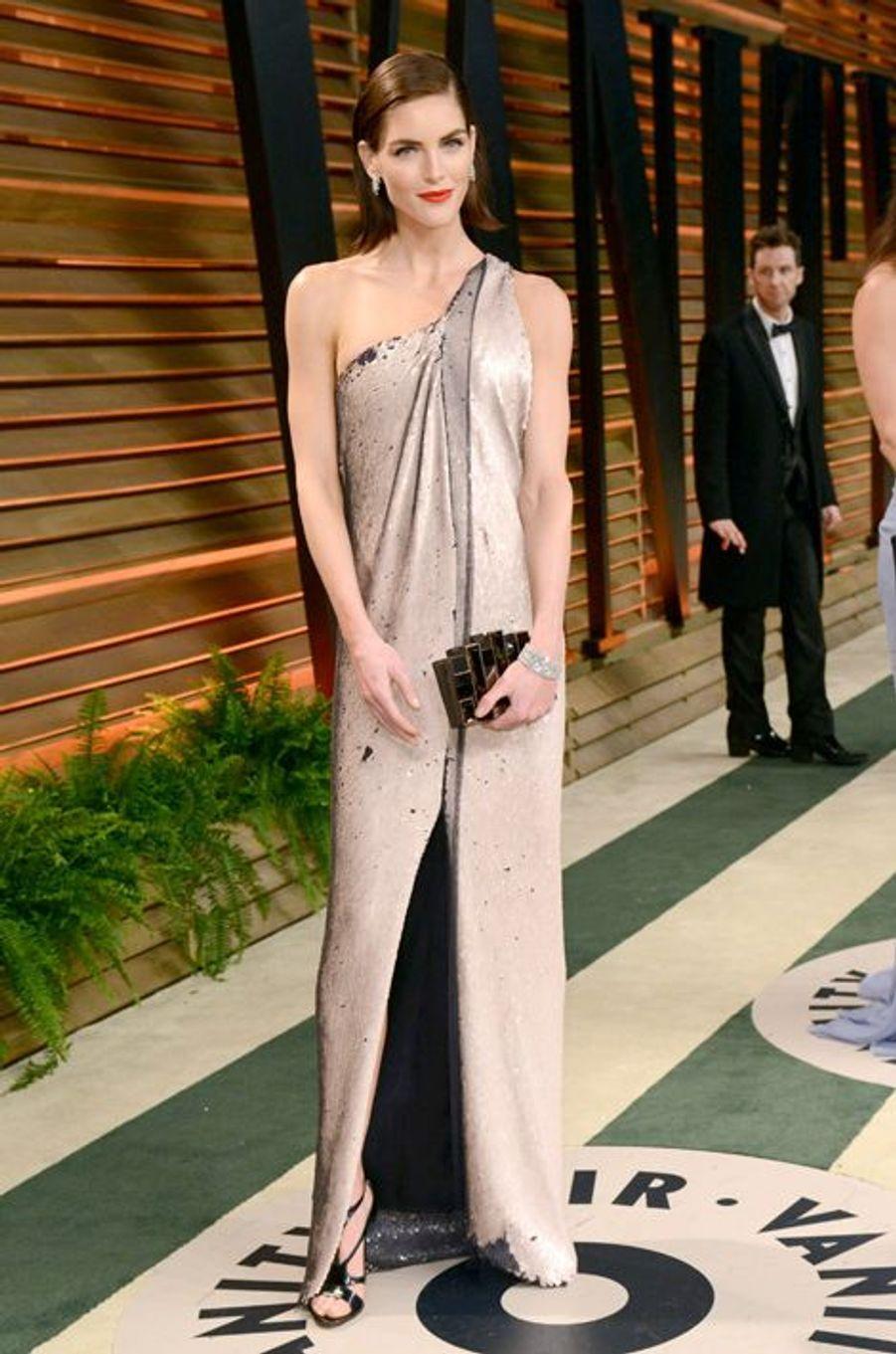 Autre égérie de la marque Estée Lauder, l'Américaine s'est d'abord fait remarquer dans les pages du magazine «Sports Illustrated». Elle a une nouvelle fois défilé pour Victoria's Secret en 2014 et empoché un salaire total de 5 millions de dollars.