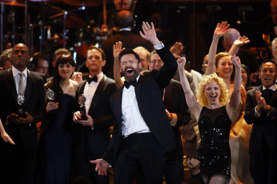 Hugh Jackman fait danser les Tony Awards