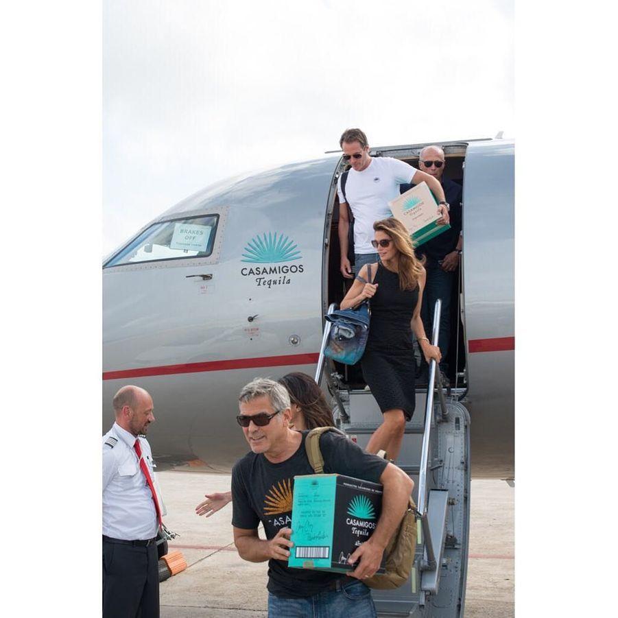 George et Amal Clooney ont passé le week-end dernier à Ibiza avec Cindy Crawford et son mari pour le lancement de leur nouvelle tequila.