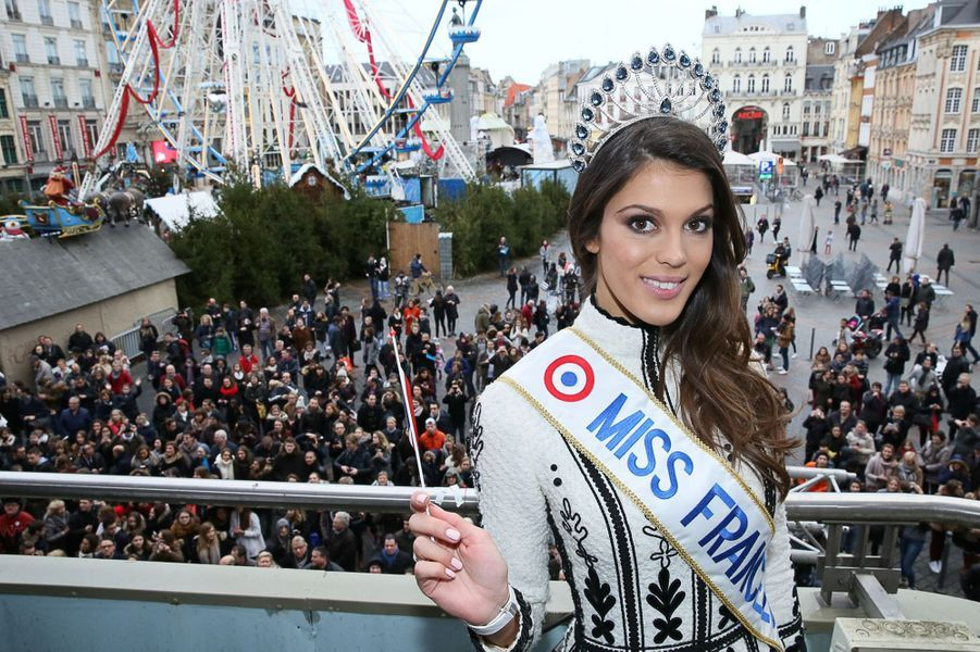 Miss France 2016 accueillie en star à Lille