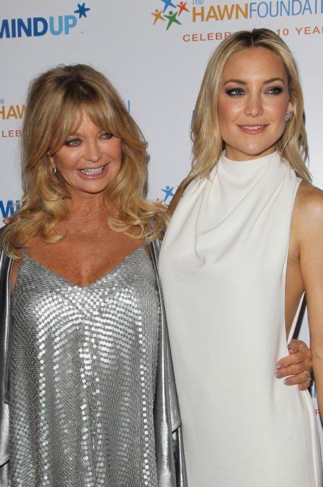 L'actrice américaine est la grand-mère de Bingham et Ryder, les deux fils de Kate Hudson, mais également de Wilder (né en 2007), Bodhi (né en 2010) et Rio (née en 2013), les trois enfants d'Oliver Hudson.