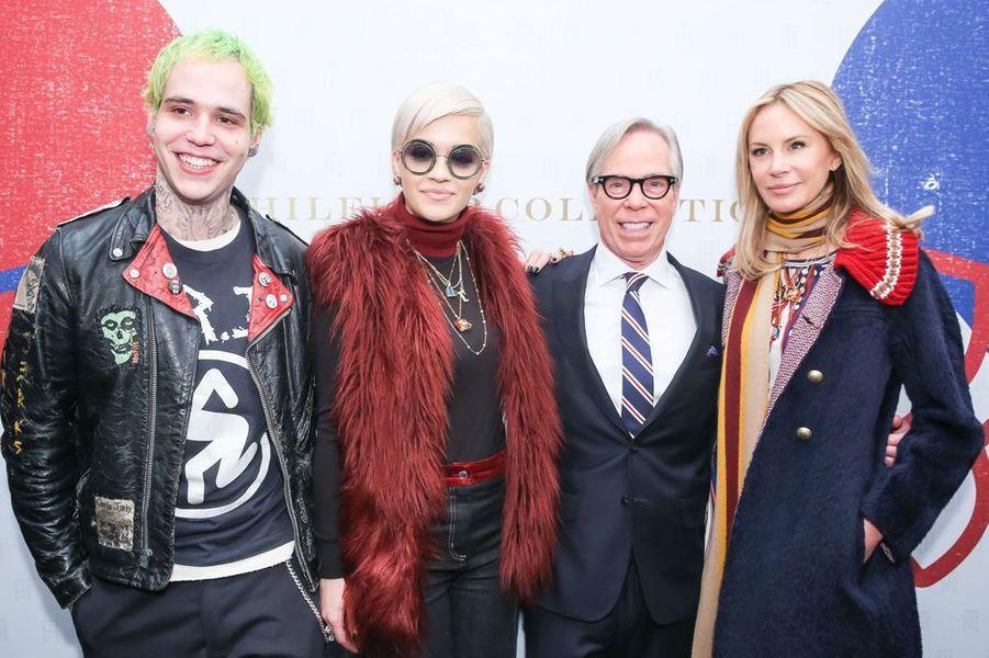 Ricky Hilfiger, Rita Ora, Tommy et Dee Hilfiger à New York le 16 février 2015