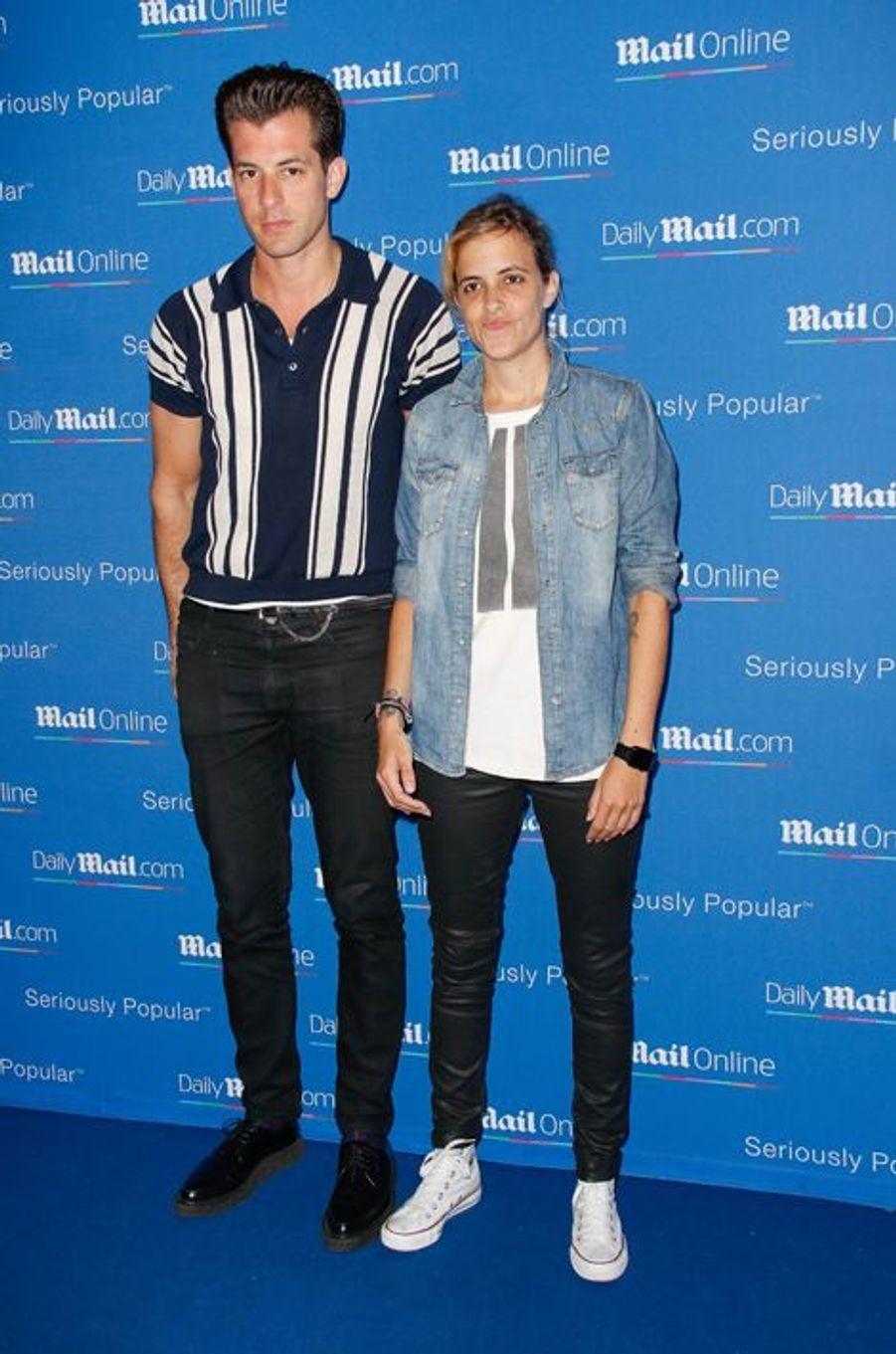 Mark et Samantha Ronson à Cannes le 24 juin 2015