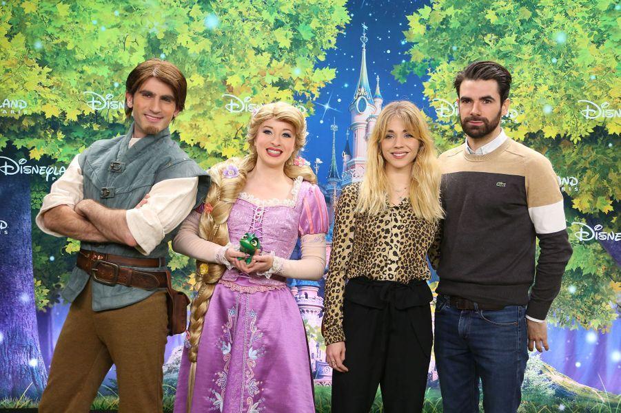 Alice Isaaz et son compagnon à Disneyland Paris