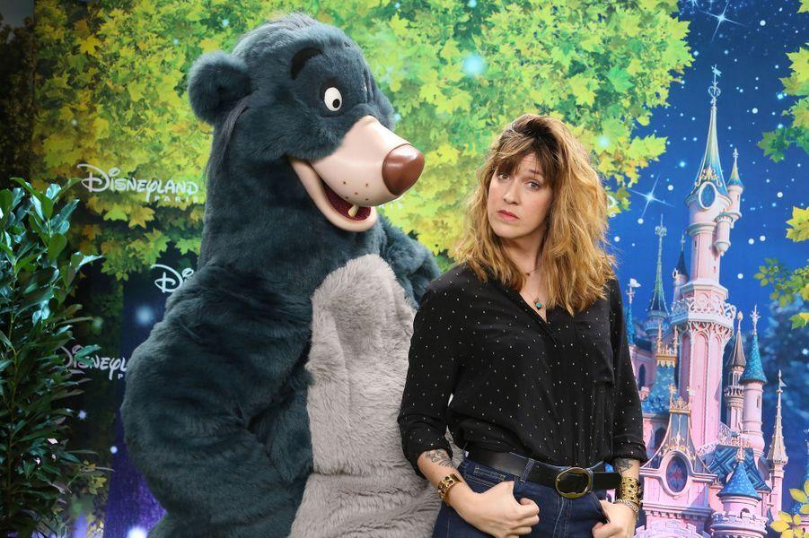 Daphné Bürki à Disneyland Paris