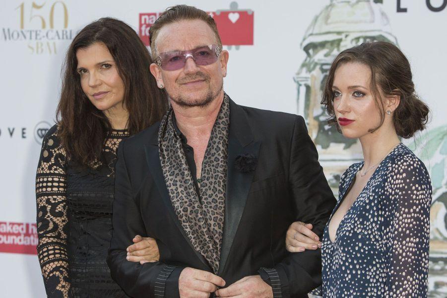 Bono, sa femme et sa fille
