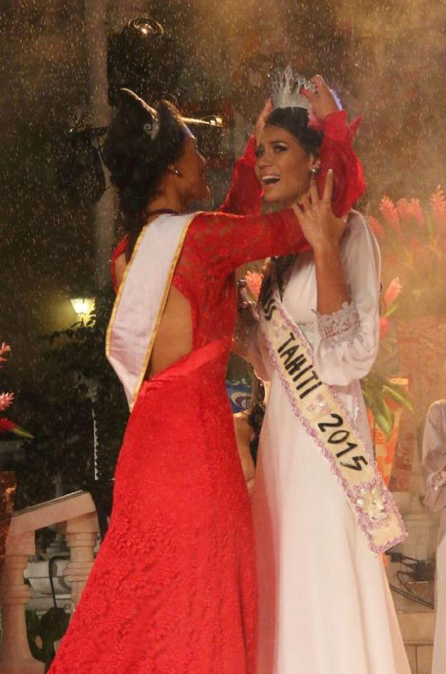 Le sacre de Vaimiti Teiefitu couronnée Miss Tahiti 2015