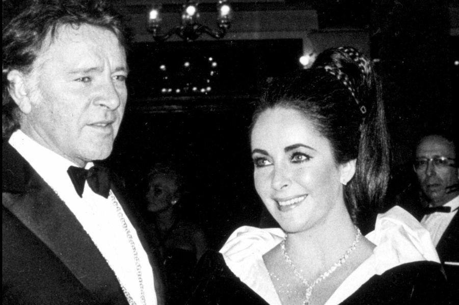 Richard Burton et Elizabeth Taylor ont été mariés deux fois : entre 1964 et 1974 ainsi que entre 1975 et 1976