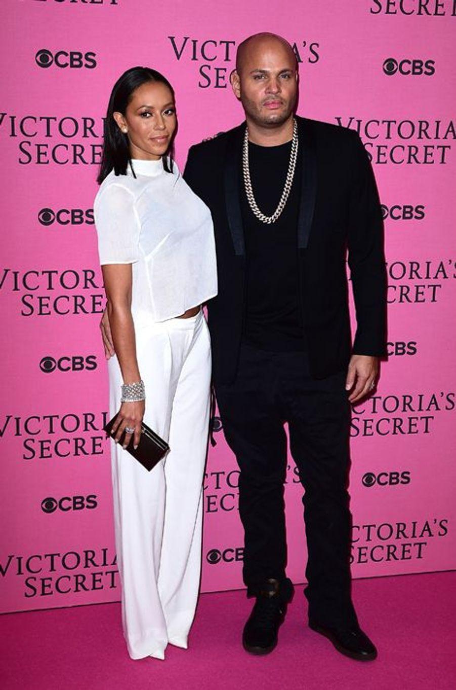 Melanie Brown et son époux, Stephen Belafonte, à Londres le 2 décembre 2014