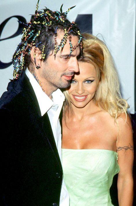 Quand ils se rencontrent en 1995, Pamela Anderson et Tommy Lee n'attendent que quatre jours pour s'unir le 19 février à Cancun. Leur mariage durer...