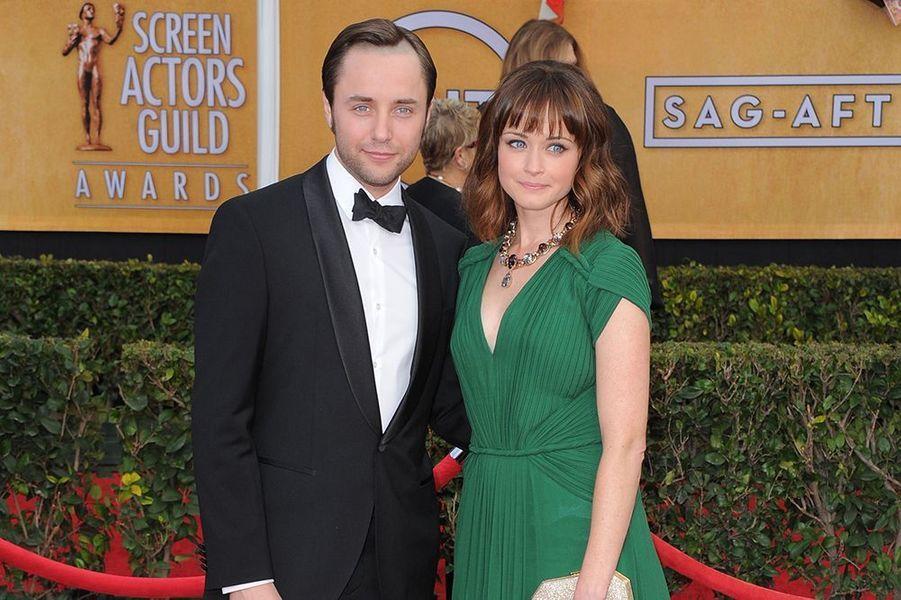 """La comédienne révélée en 2000 dans la série """"Gilmore Girls"""" s'est mariée en juin dernier à l'acteur Vincent Kartheiser (""""Mad Men"""")."""