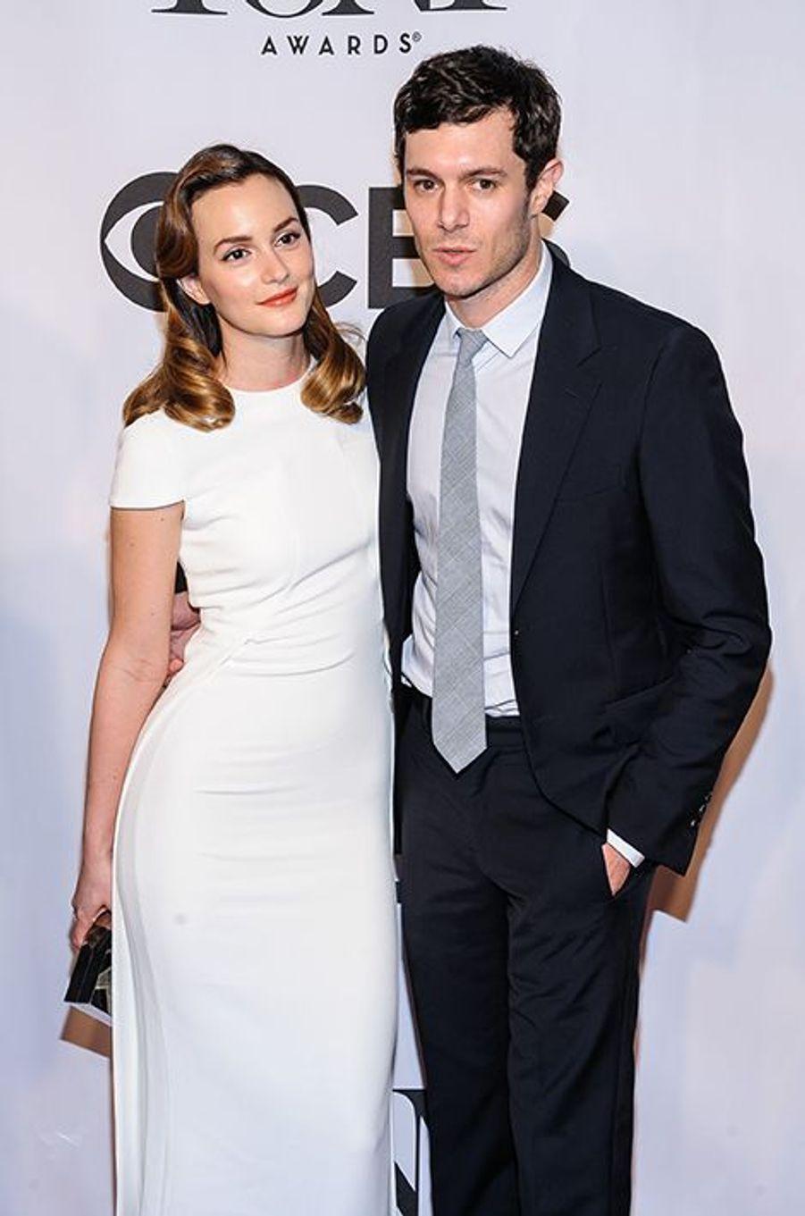 """Depuis 2012, la star de """"Gossip Girl"""" file le parfait amour avec l'acteur Adam Brody. Fiancé en novembre 2013, le couple s'est uni en toute discrétion quelques semaines plus tard, en février."""