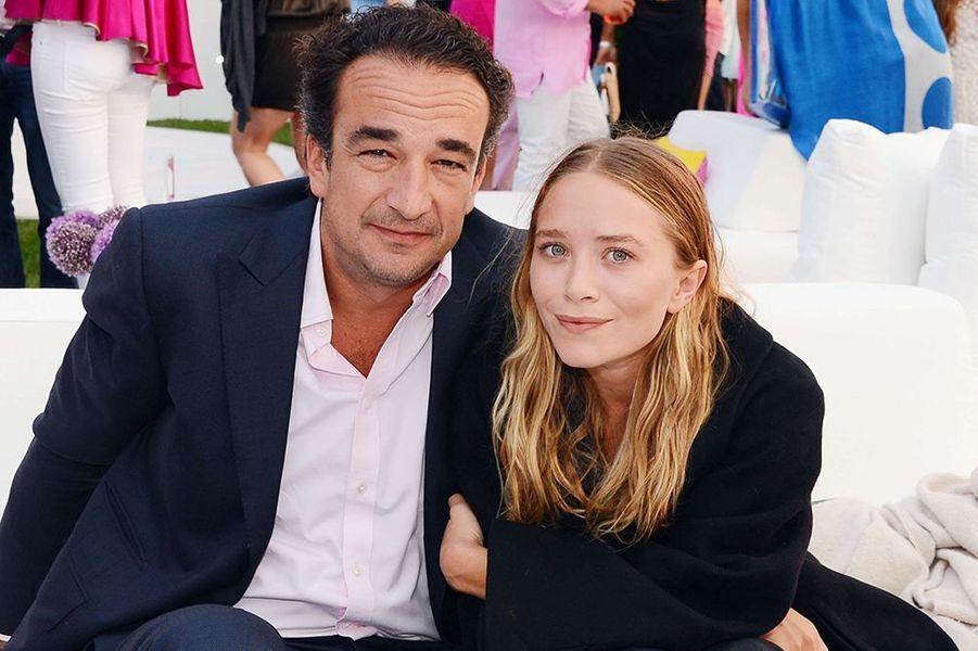 La starlette américaine file le parfait amour avec Olivier Sarkozy, demi-frère de l'ancien président français. Fiancé en mars, le couple s'est marié fin septembre à New York.