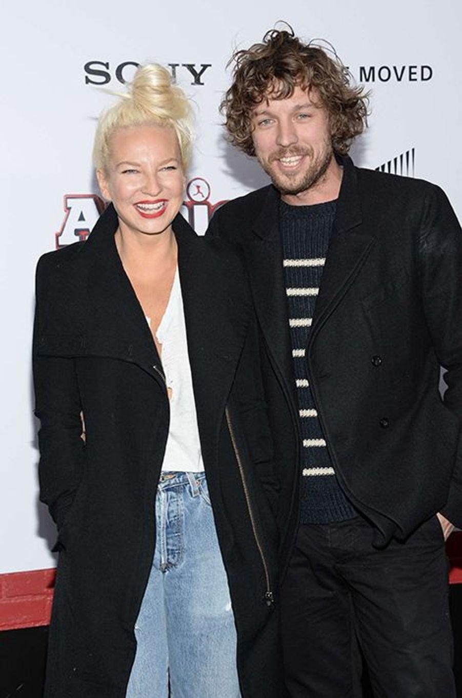 La chanteuse australienne s'est mariée le 2 août au réalisateur Erik Anders Lan à l'occasion d'une cérémonie intime organisée à Palm Springs, en Californie.