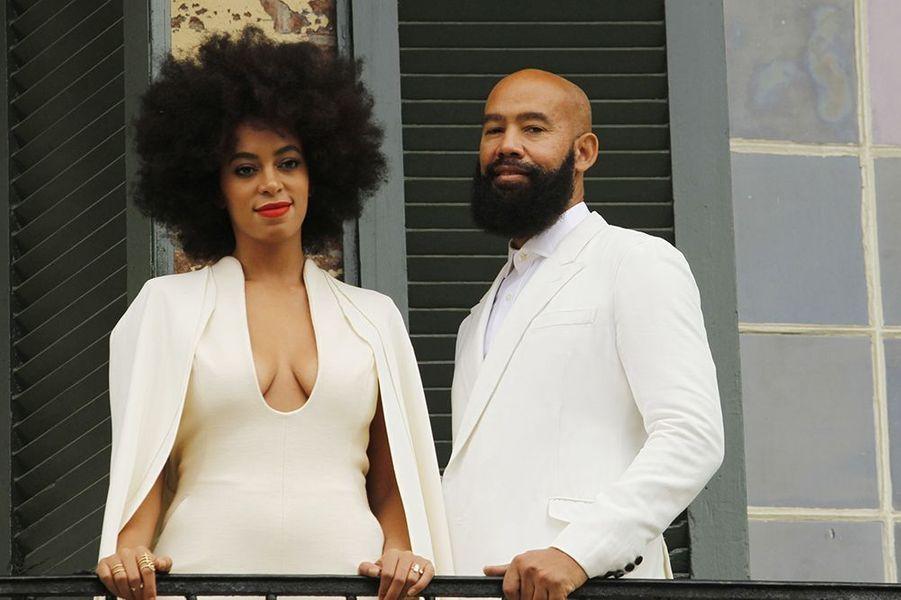 """La petite sœur de Beyoncé a dit """"oui"""" à son compagnon de longue date, le réalisateur de clips musicaux Alan Ferguson, le 15 novembre à la Nouvelle-Orléans."""