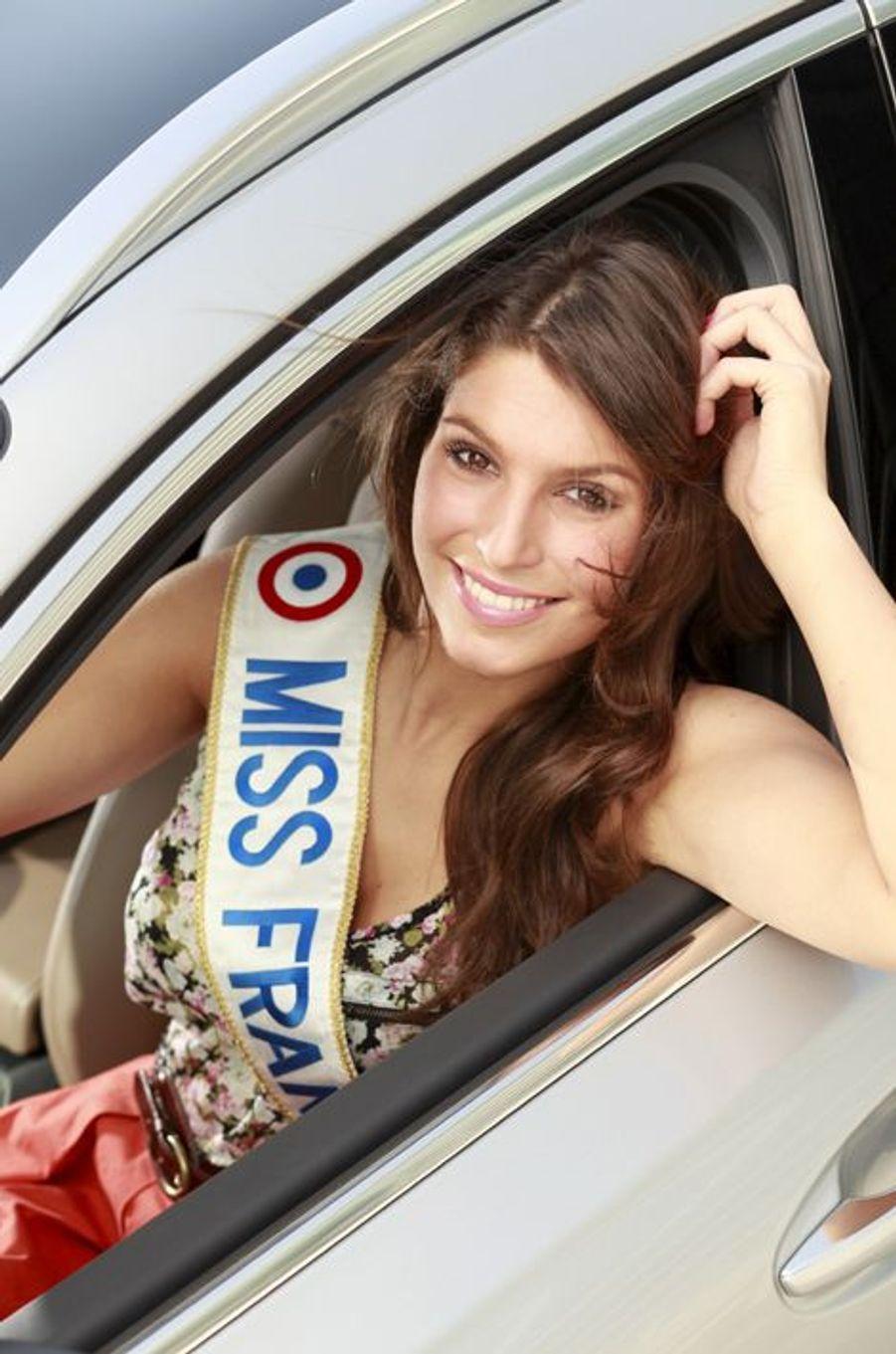 Miss Bretagne 2010, elle fut sacrée le 4 décembre 2010 au Zénith de Caen. Âgée de 19 ans au moment de son élection, Laury Thilleman est par la suite devenue journaliste sportive pour la chaîne Eurosport.