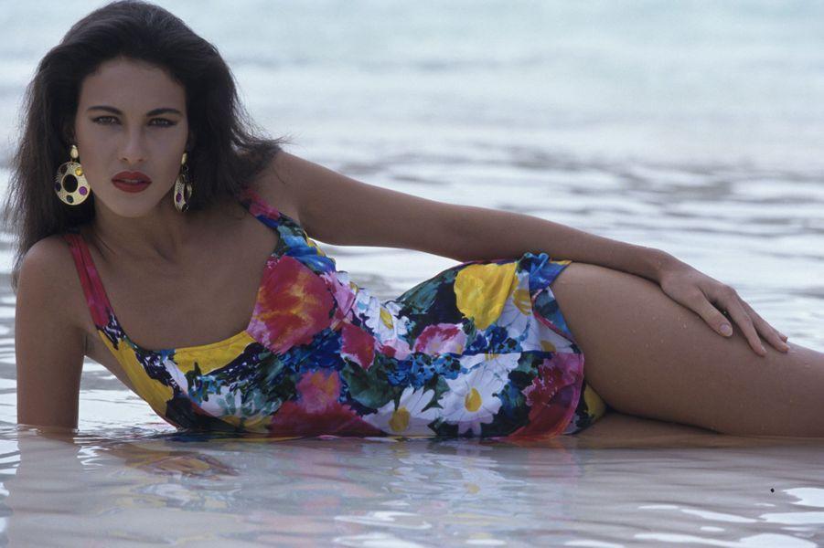 62e Miss France, elle est sans aucun doute l'une des reines de beauté les plus emblématiques de ces trois dernières décennies. Devenue mannequin et actrice, Linda Hardy était seulement âgée de 18 ans lorsqu'elle a été sacrée en décembre 1991.