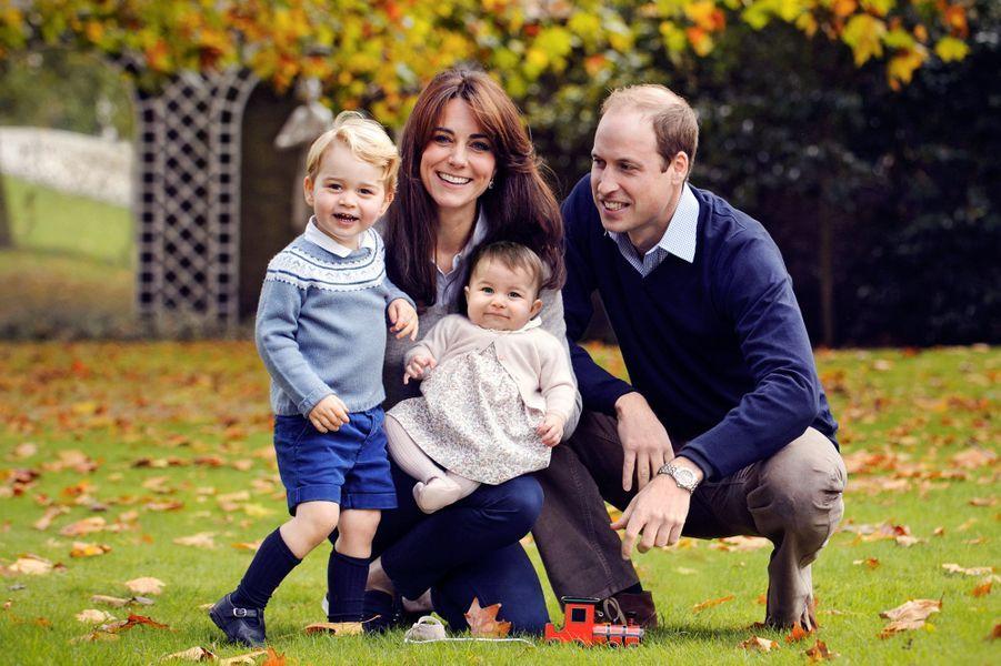 En mai 2015, le prince William et Kate Middleton ont accueilli leur deuxième enfant, Charlotte.
