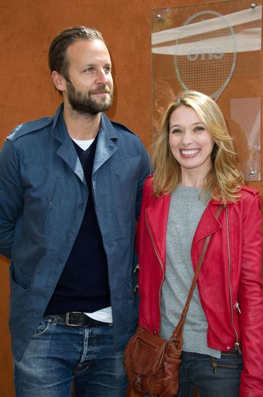 L'actrice Anne Marivin et son compagnon Joachim Roncin ont accueilli une petite fille prénommée Andréa en octobre 2015.