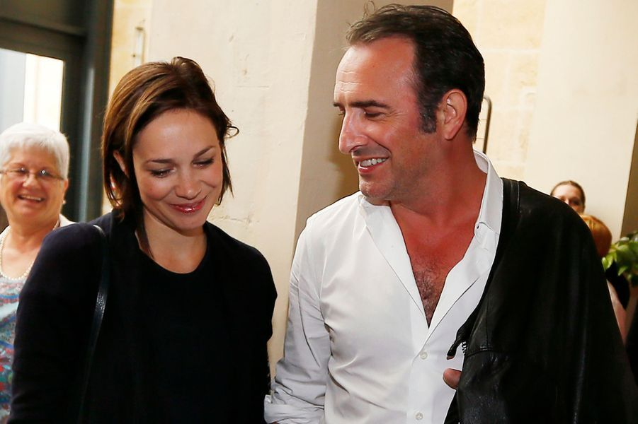 La patineuse Nathalie Péchalat et l'acteur Jean Dujardin ont accueilli une petite fille prénommée Jeanne en décembre 2015.