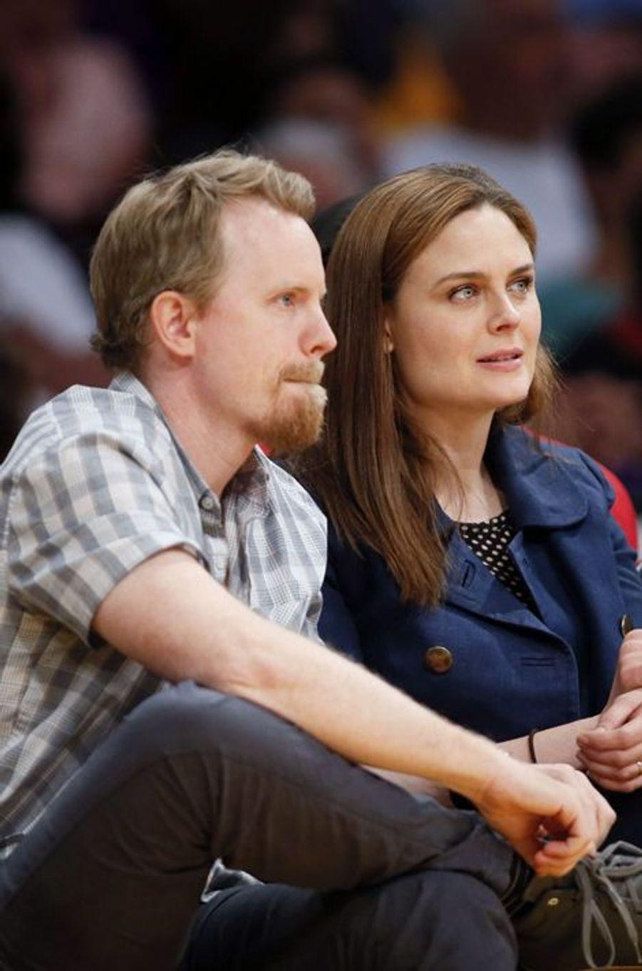 Les acteurs Emily Deschanel et David Hornsby ont accueilli leur deuxième enfant, un petit garçon prénommé Calvin en juin 2015.
