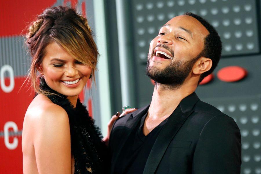 Le chanteur John Legend et son épouse, Chrissy Teigen, attendent la naissance d'une petite fille, prévue pour le printemps.