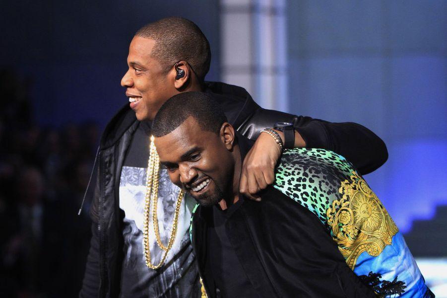 Jay-Z et Kanye West sont les maîtres du hip hop américains et ont chacun à leur bras une sublime compagne. Ils ne pouvaient donc qu'être amis. Et comme tous businessmen qui se respectent, ils ont même fait fructifier cette relation en travaillant ensemble, avec succès.