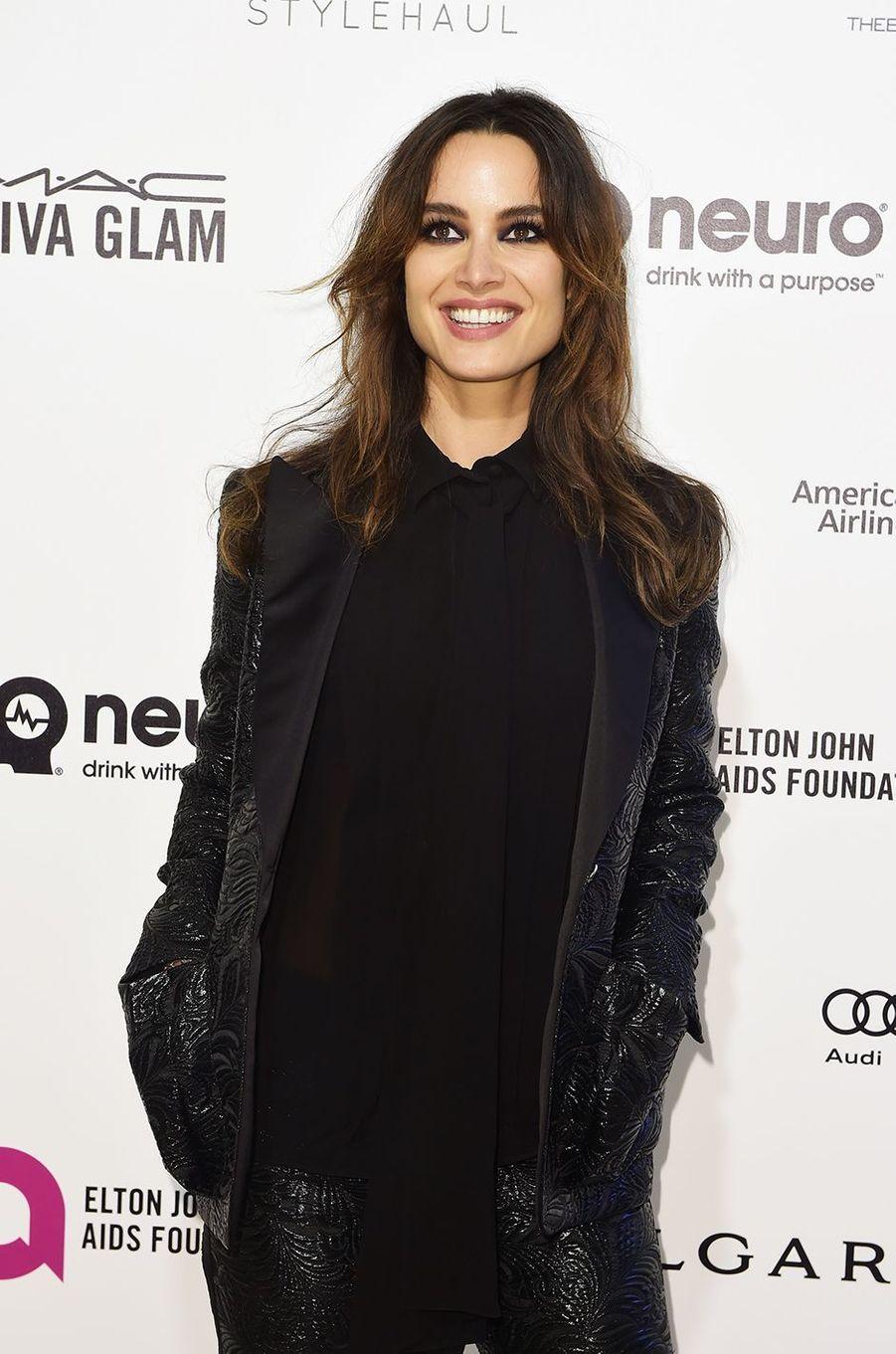 Bérénice Marlohe au gala organisé au profit de la recherche contre le Sida à Los Angeles le 28 février 2016