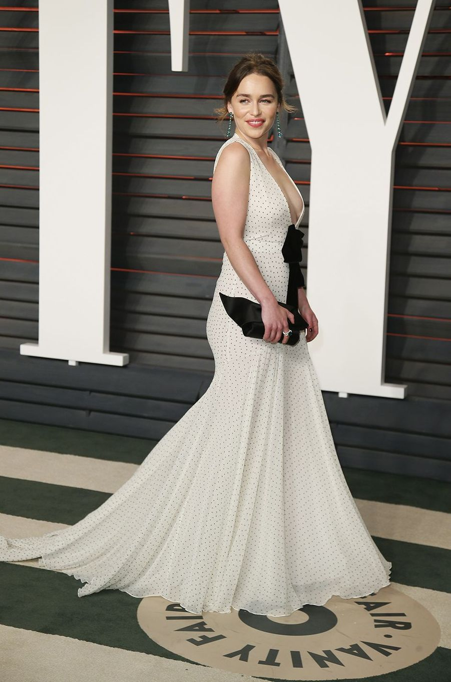 """Emilia Clarke à l'after-party """"Vanity Fair"""" le 28 février 2016 à Los Angeles"""