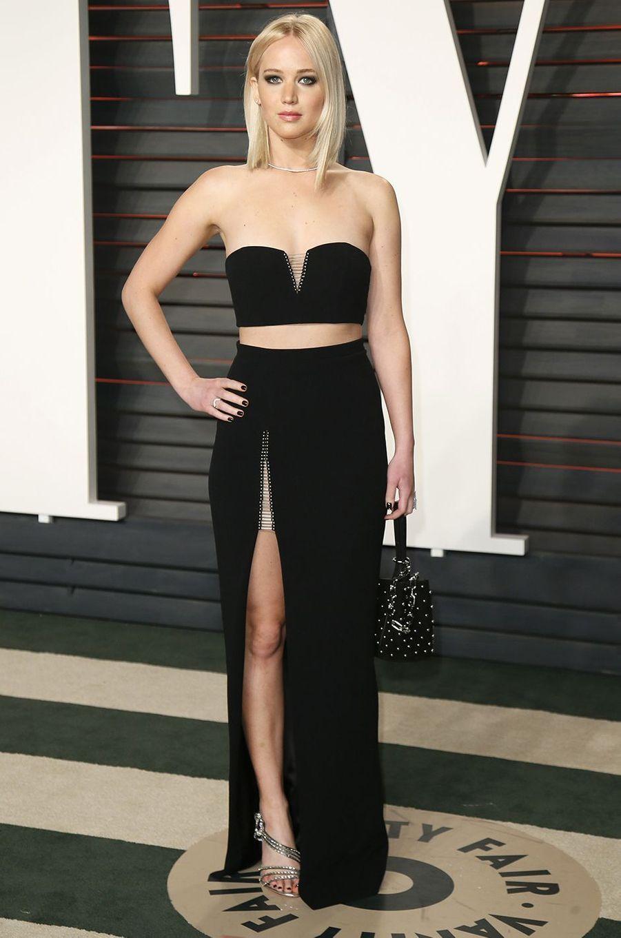 """Jennifer Lawrence à l'after-party du magazine """"Vanity Fair"""" le 28 février 2016 à Los Angeles"""