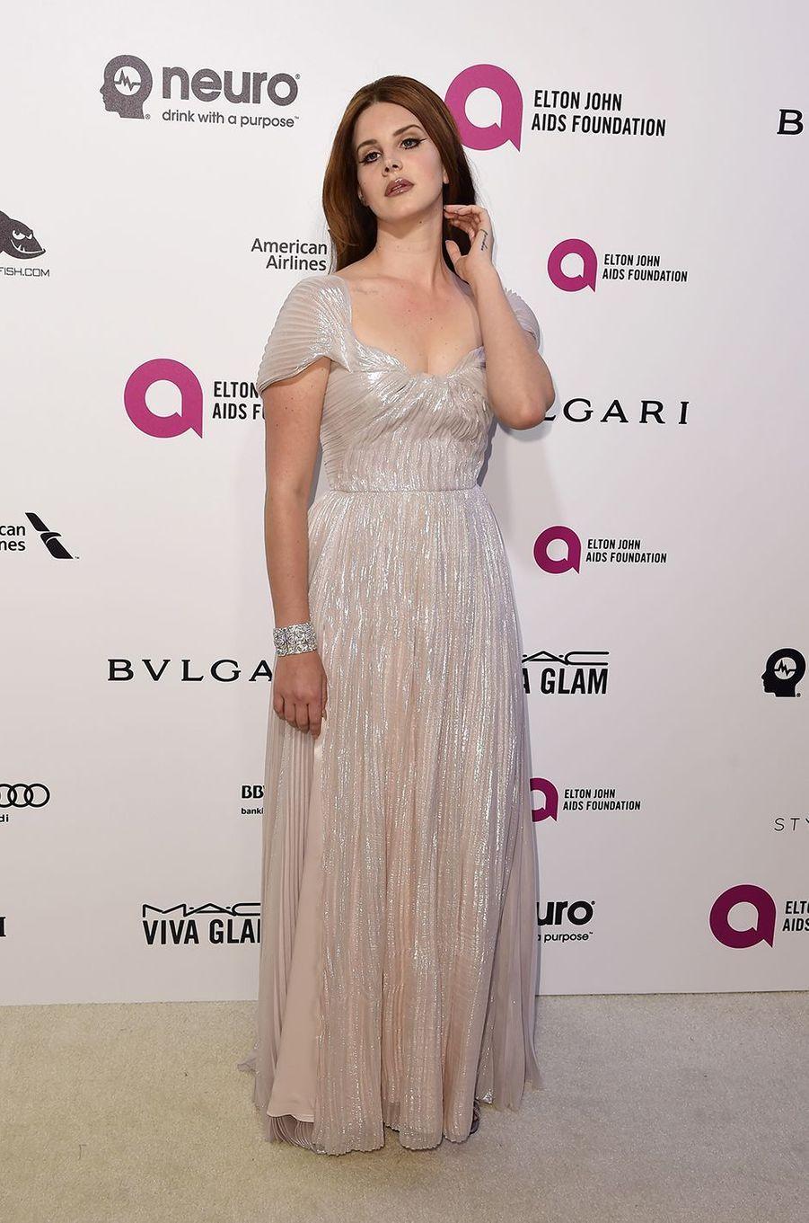 Lana Del Rey au gala organisé au profit de la recherche contre le Sida à Los Angeles le 28 février 2016