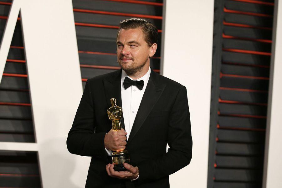 """Leonardo DiCaprio à l'after-party du magazine """"Vanity Fair"""" le 28 février 2016 à Los Angeles"""