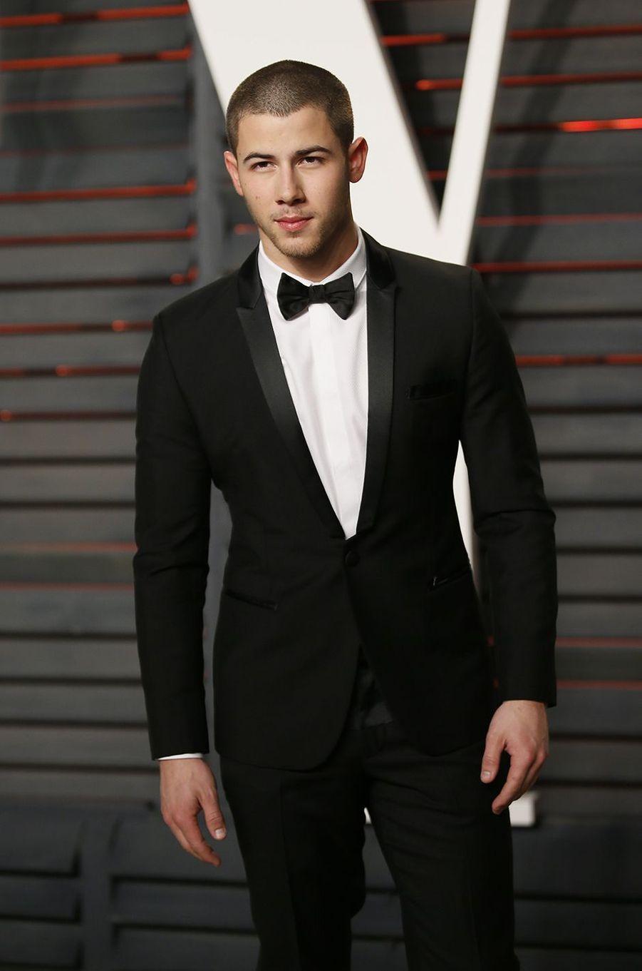 """Nick Jonas à l'after-party """"Vanity Fair"""" le 28 février 2016 à Los Angeles"""