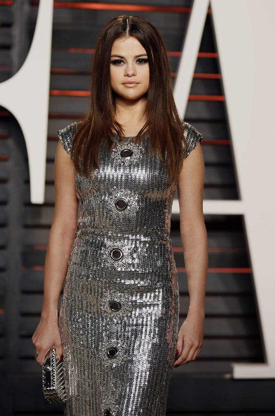 """Selena Gomez à l'after-party du magazine """"Vanity Fair"""" le 28 février 2016 à Los Angeles"""