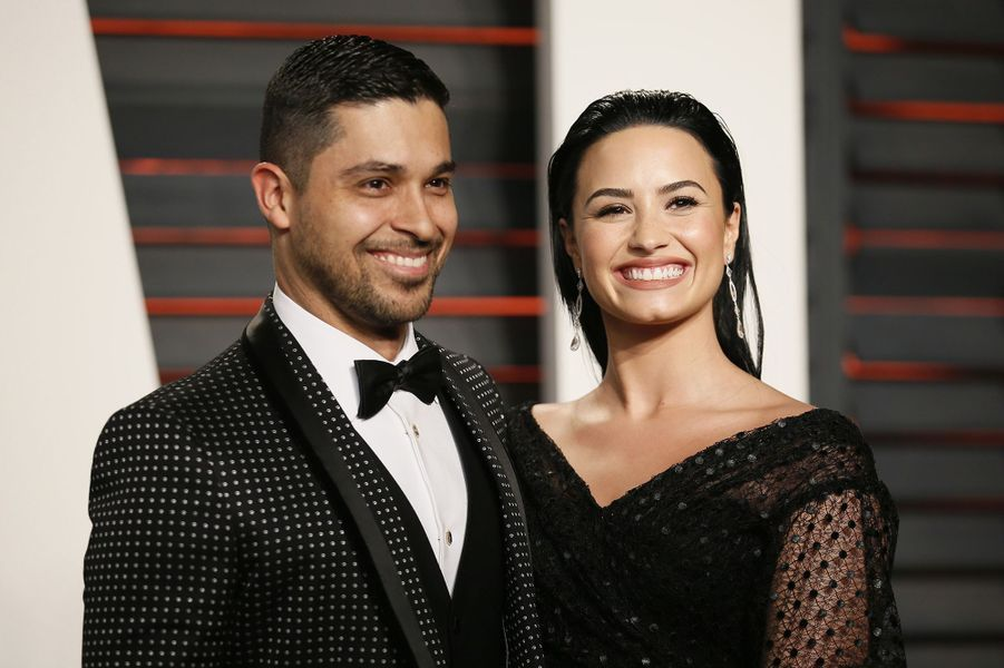 """Wilmer Valderrama et Demi Lovato à l'after-party du magazine """"Vanity Fair"""" le 28 février 2016 à Los Angeles"""