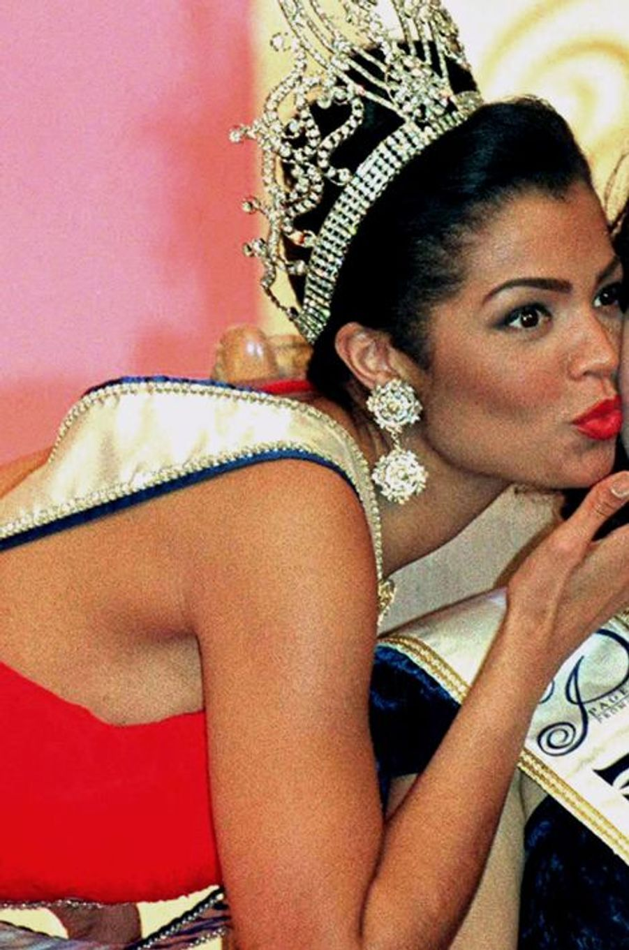 Chelsi Smith, MIss USA élue Miss Univers en 1995